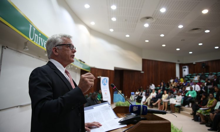 Ambassador Dean Pittman at the First Cohort Opening Event of YALI RLCenter in Maputo
